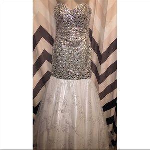Beautiful strapless mermaid dress